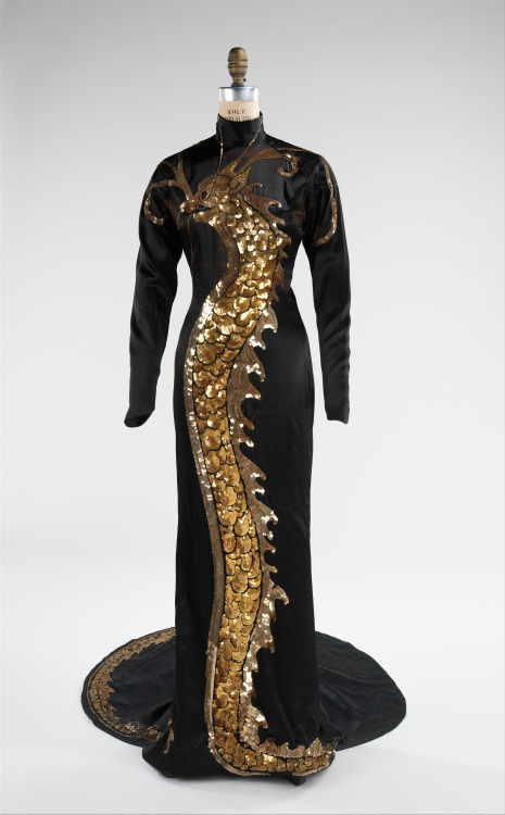 anna may wong dress